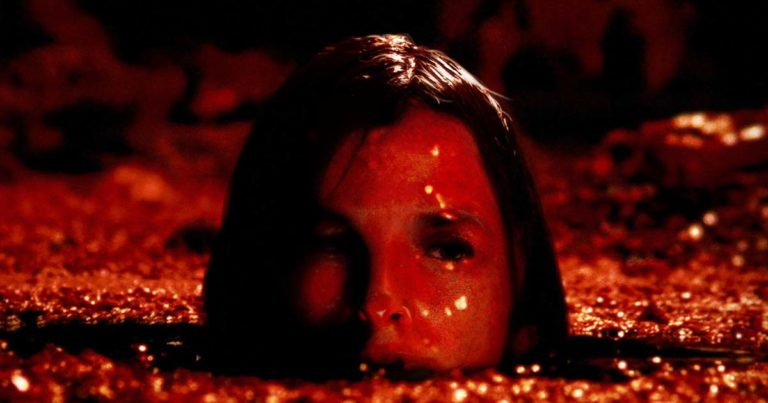 El descenso (The descent), Neil Marshall (2005)