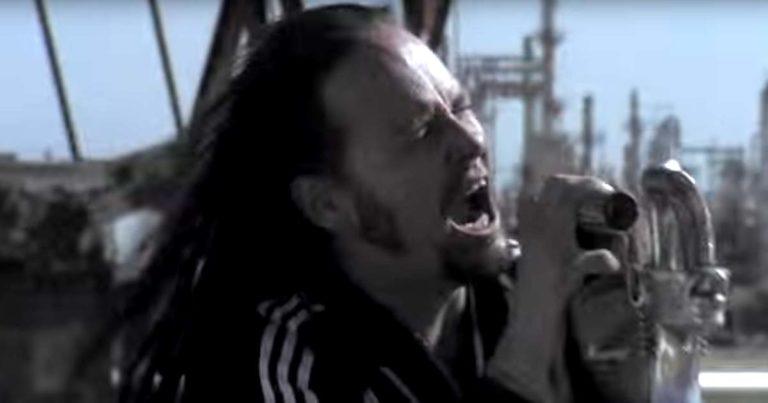 Korn y el vídeo de 'Oildale (Leave Me Alone)'
