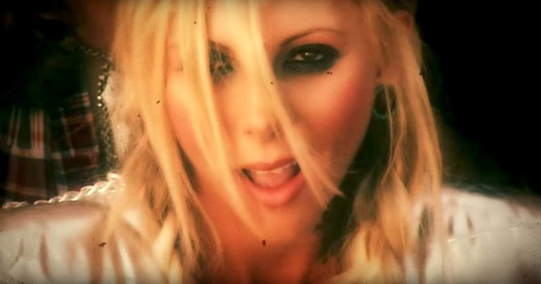 In this moment y el vídeo de 'Gunshow'