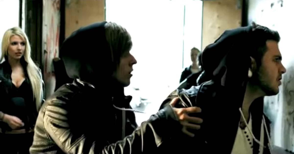 Abandon all ships y el vídeo de 'Geeving'