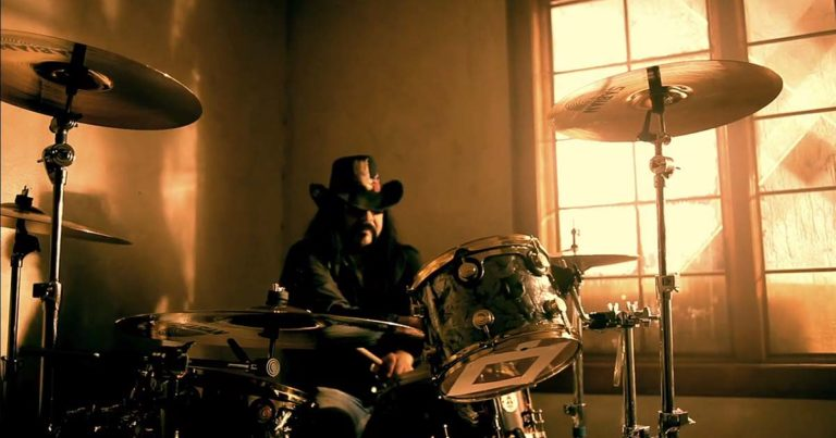 Hellyeah y el vídeo de 'Better man'