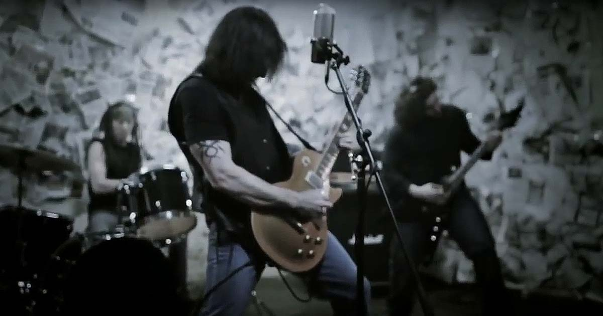 Black Water Rising y el vídeo de 'No Halos'