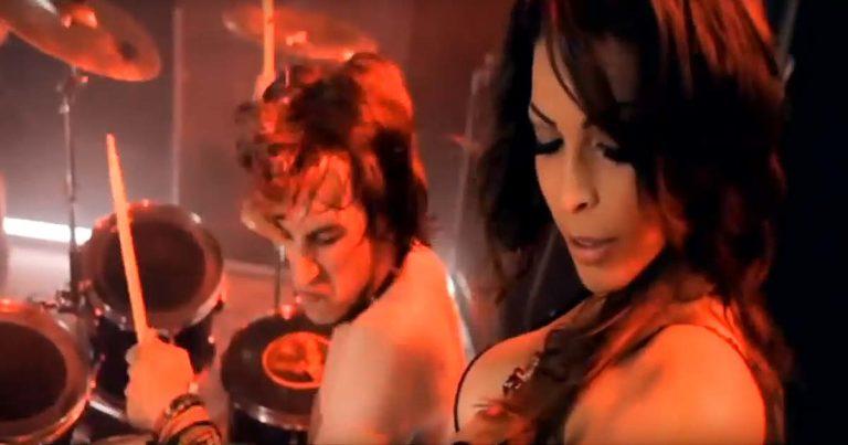 Revoker y el vídeo de 'The great pretender'