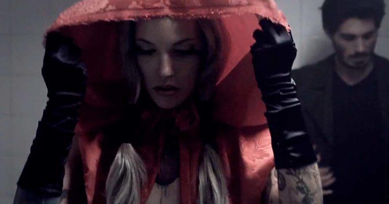 Döria y el vídeo de 'Caperucita feroz' con Silvia Rubí (Uncensored)