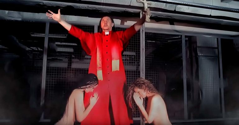 Nuevo video de Semargl, 'God is not love' (Uncensored)
