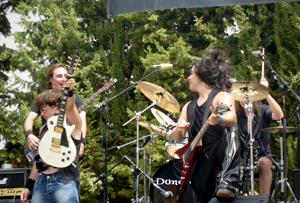 Crónica y fotos del Leyendas del Rock 2012.