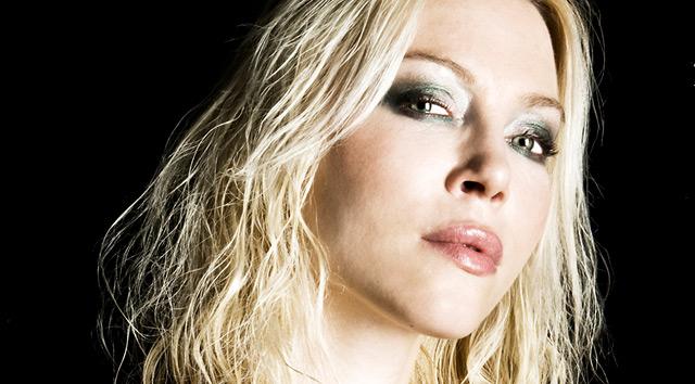 Angela Gossow deja el micro de Arch Enemy