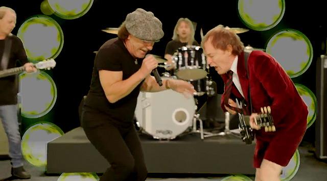 Nuevo vídeo de AC/DC 'Play ball'