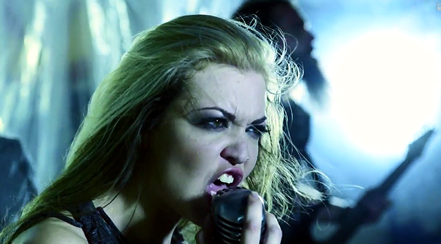 The Agonist y el vídeo de 'My Witness, Your Victim'