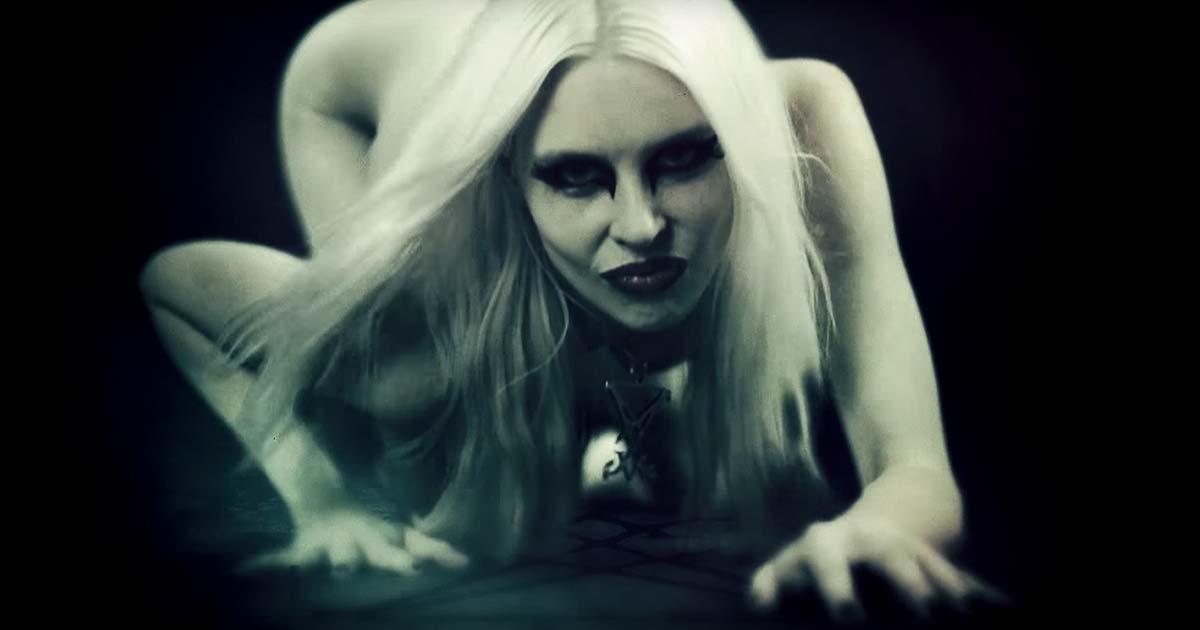 Blood of Serpents y el vídeo de 'Masquerade of Plagues' (Uncensored)