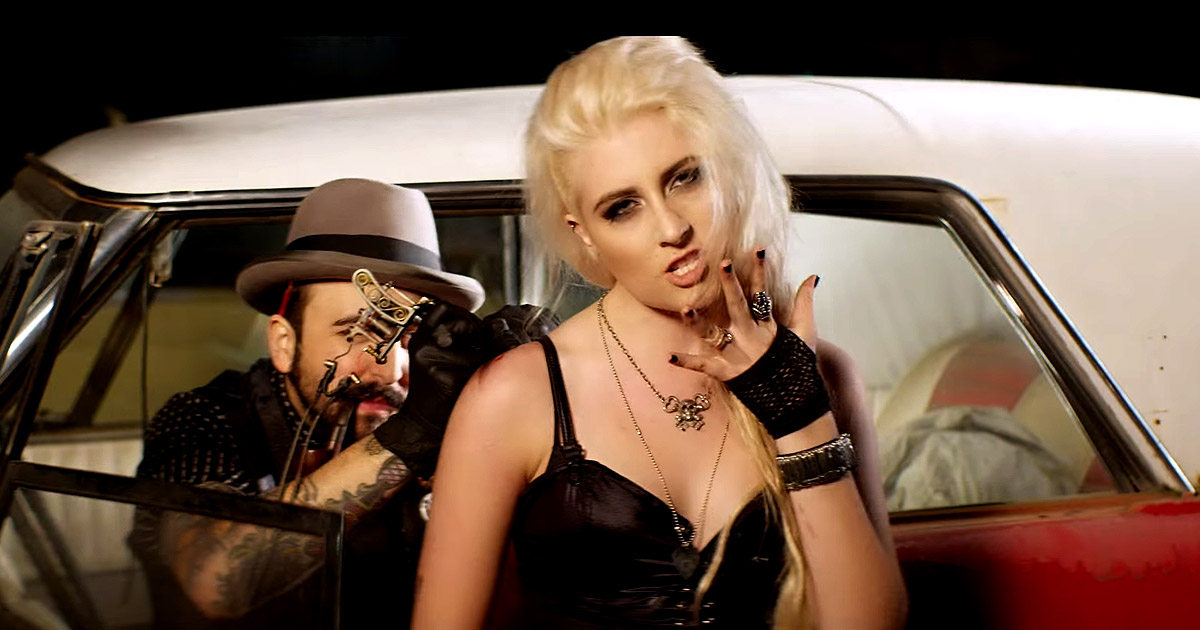 Nuevo vídeo de Diamante 'There's A Party In My Pants '