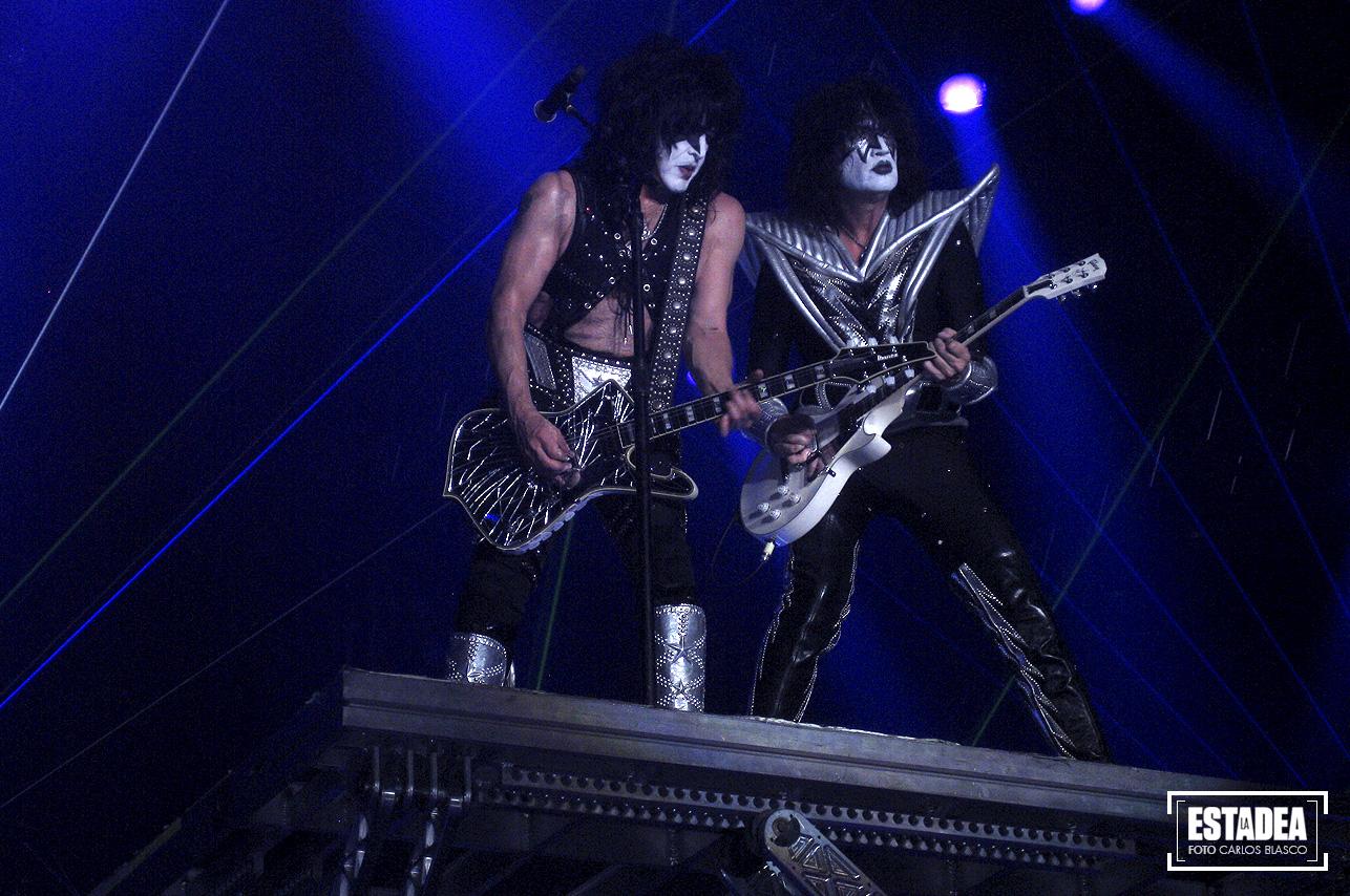 KISS + The Dead Daisies en el O2 Arena de Praga