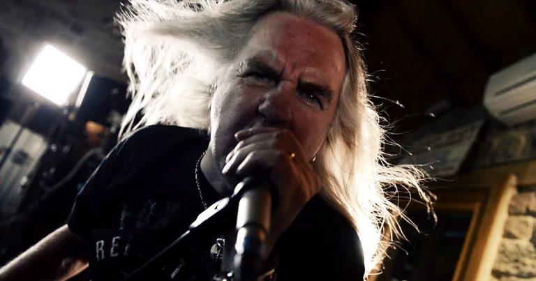Saxon y el vídeo de 'Battering Ram'