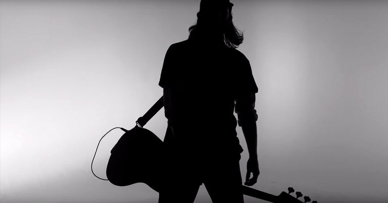 Premiere: Counting Days y el vídeo de 'Die Alone'
