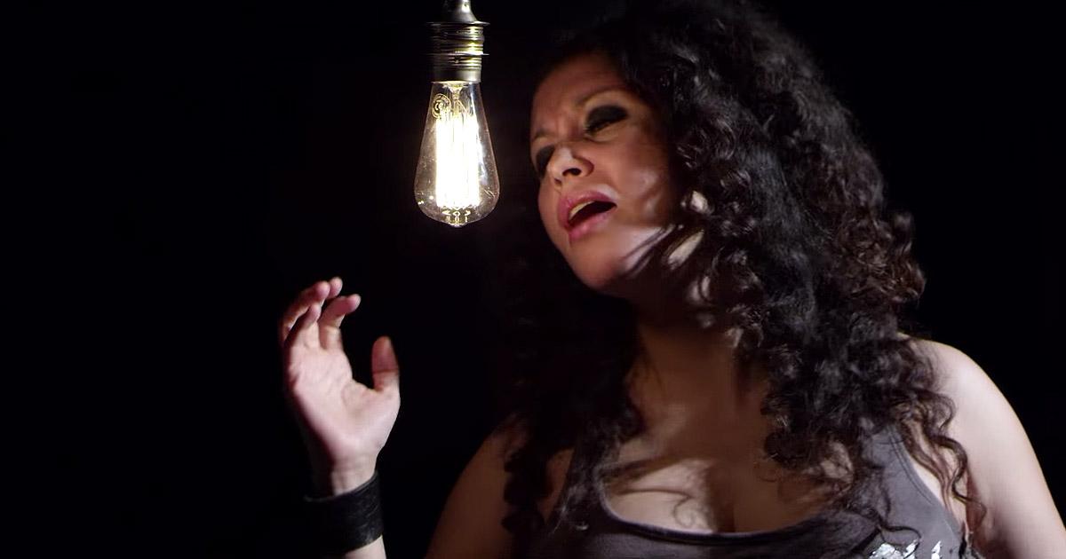 Ariday y el vídeo de 'Luz en la oscuridad'
