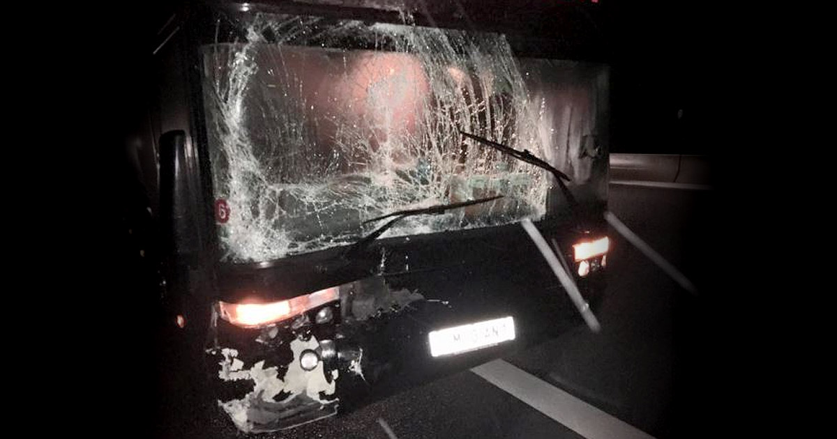 Fear Factory salen ilesos de un accidente con su autobús de gira en Alemania