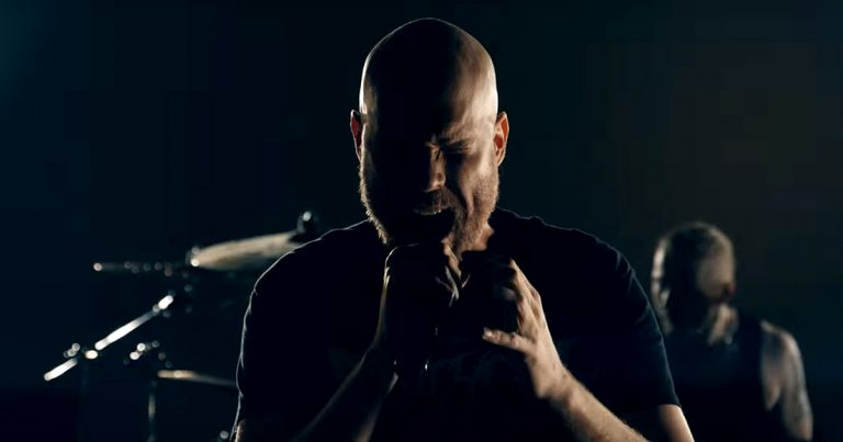 Solution .45 y el vídeo de 'Alter (The Unbearable Weight Of Nothing)'