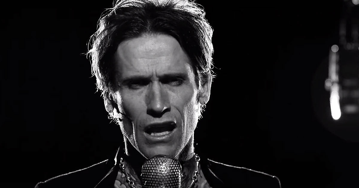 Buckcherry y el vídeo de 'The Feeling Never Dies' con Gretchen Wilson