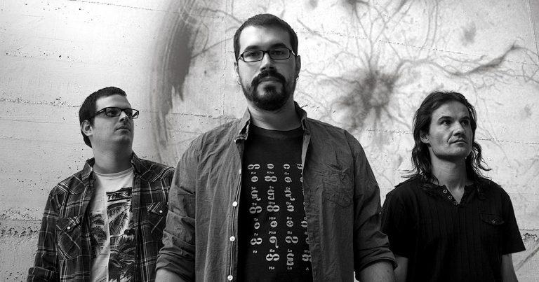 Los experimentales dCoded estrenan su álbum debut
