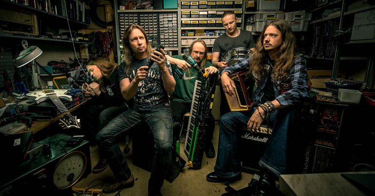 Stratovarius: nuevo tema disponible, recopilatorio y re-ediciones en camino