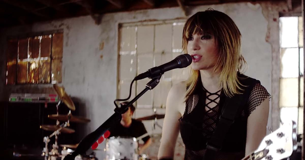 Sick Puppies y el vídeo de 'Stick To Your Guns'