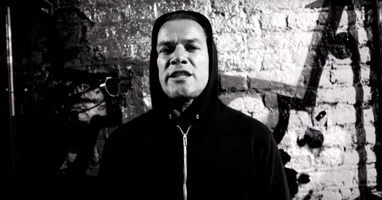Ugly Kid Joe y el vídeo de 'Under The Bottom' con Phil Campbell