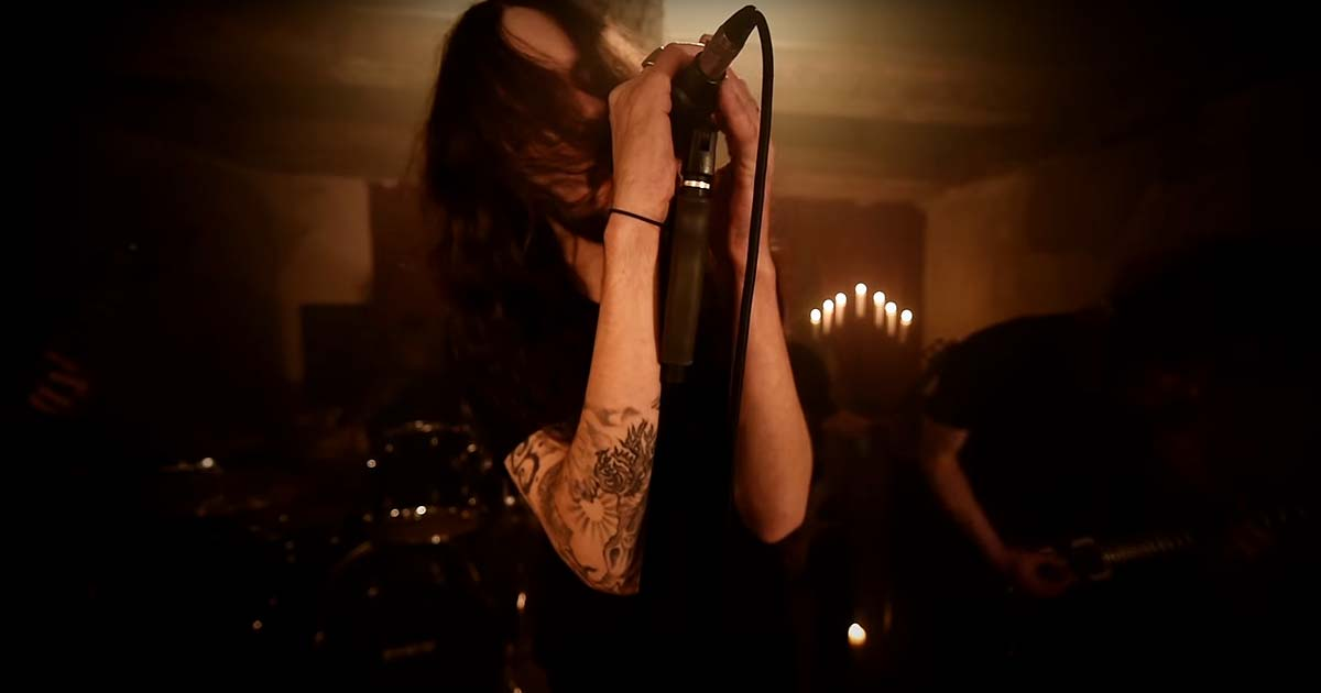 Decembre Noir y el vídeo de 'Small. Town. Depression'