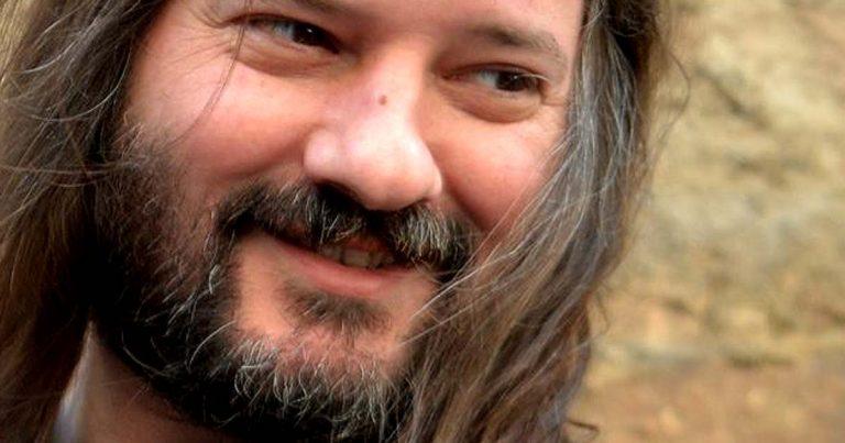 Fallece Javier Ezquerro, veterano promotor de la escena rockera barcelonesa
