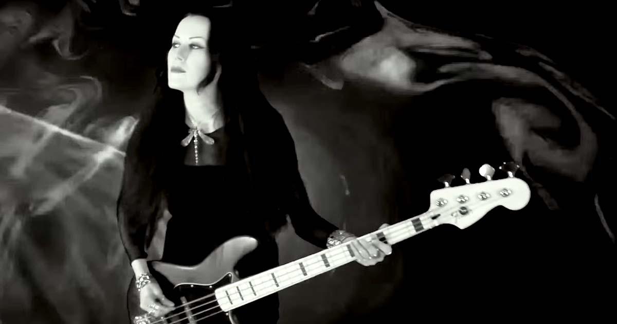 Bloody Hammers y el vídeo de 'Lights Come Alive'