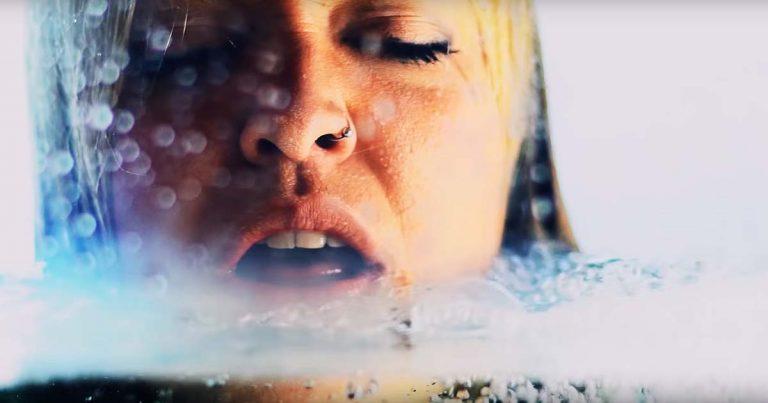 The Agonist y el vídeo de 'The Moment'