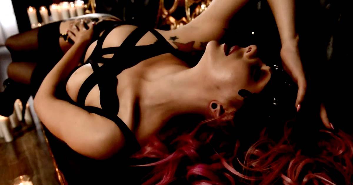 Snakeskin y el vídeo de 'Keep me alive'