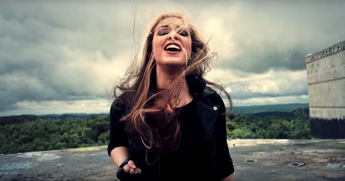 The Agonist y el vídeo de 'The Hunt'