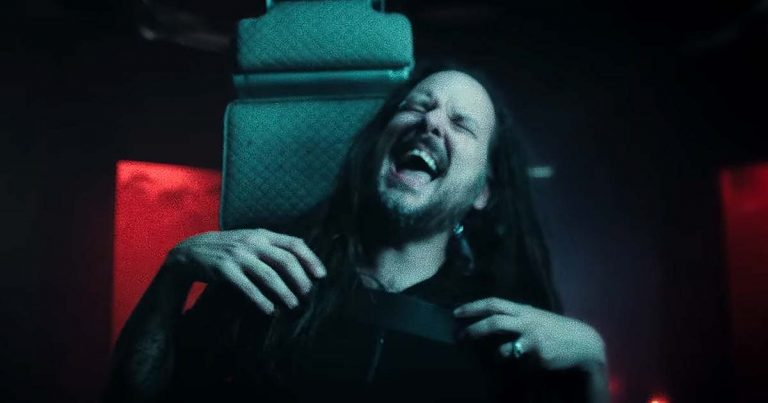Korn y el vídeo de 'Take Me'
