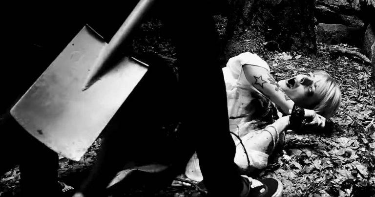 Walking Dead on Brodway y el vídeo de 'Haunted'