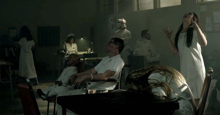 Chevelle y el vídeo de 'Door to Door Cannibals'