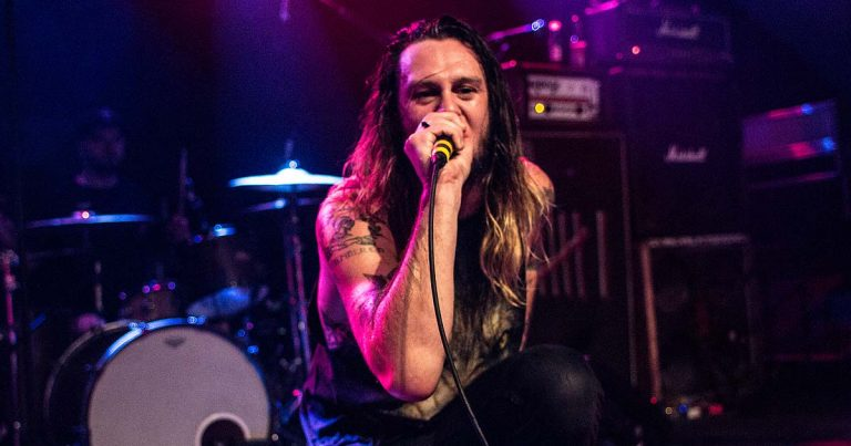 Crónica y fotos de While She Sleeps, Blood Youth y Dawn of the Maya en Bilbao