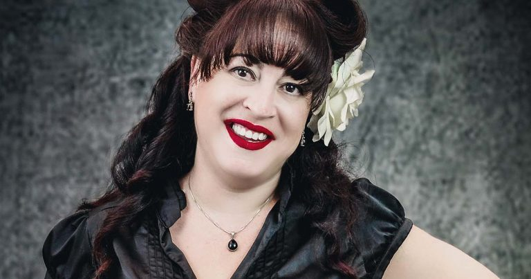 Jenny Grant, la promotora/manager vampírica