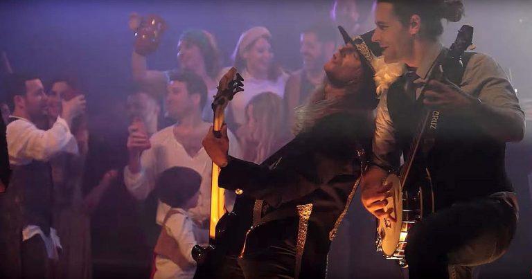 Saurom y el vídeo de 'Fiesta'