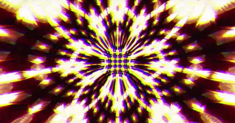 The Algorithm y el vídeo de 'Overclock'