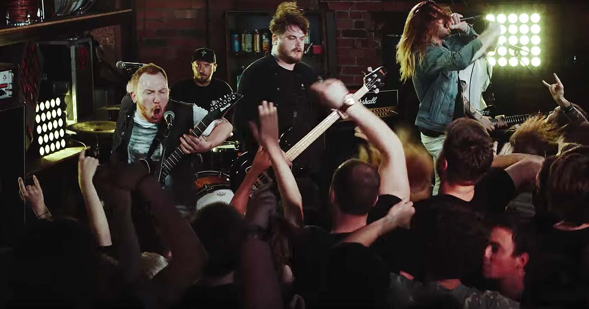 While She Sleeps y el vídeo de 'Hurricane'