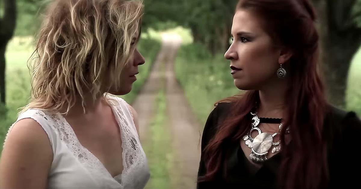 Lost in Grey y el vídeo de 'Dark Skies'