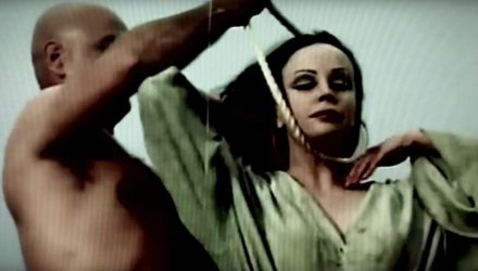 Oldd Wvrms y el vídeo de 'Amongst The Pines'
