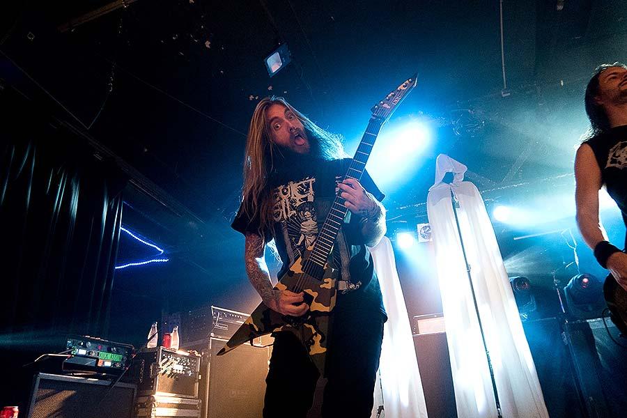 """El """"core"""" está muerto… Caliban y Suicide Silence en Razzmatazz 2"""