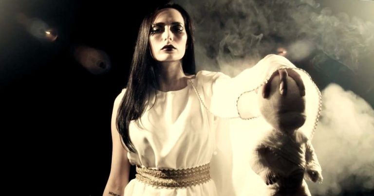 Premiere: Helheim y el vídeo de 'Baklengs Mot Intet'