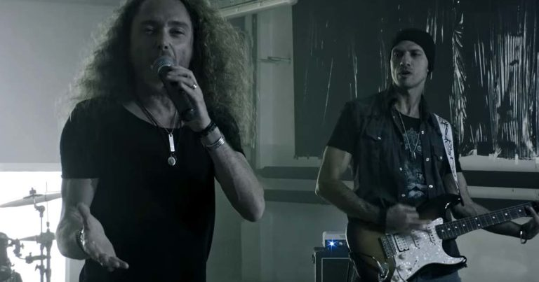 Lionville y el vídeo de 'Bring Me Back Our Love'