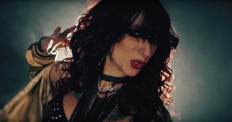 Liv Sin y el vídeo de 'Let Me Out'