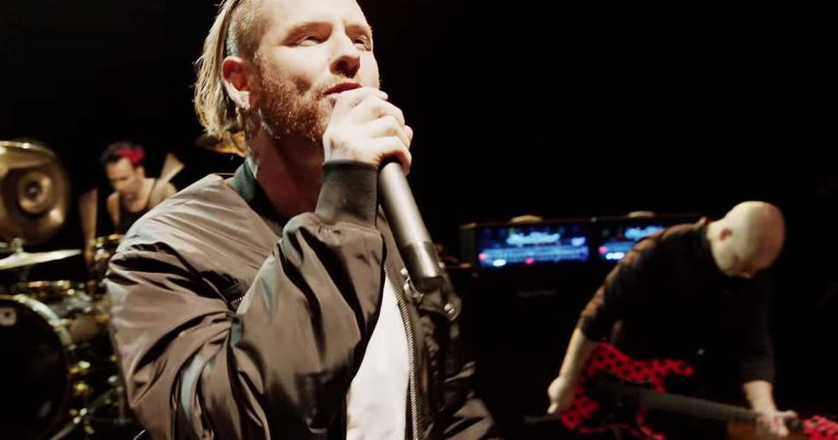 Stone Sour y el vídeo de 'Fabuless'
