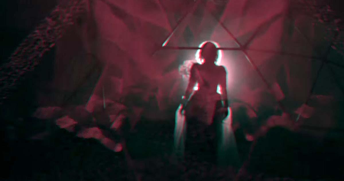 Au-Dessus y el vídeo de 'VI'