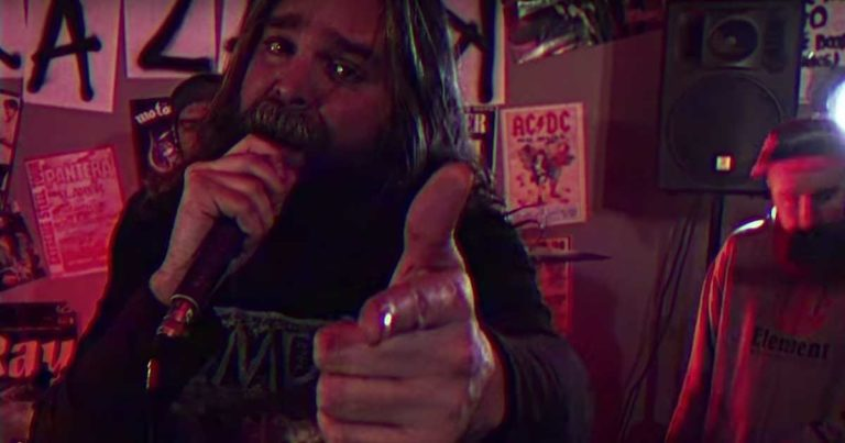 KrazarK y el vídeo de 'Keep Your Fire Alive'