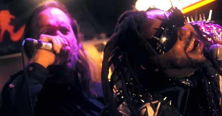 Skindred y el vídeo de 'Machine'